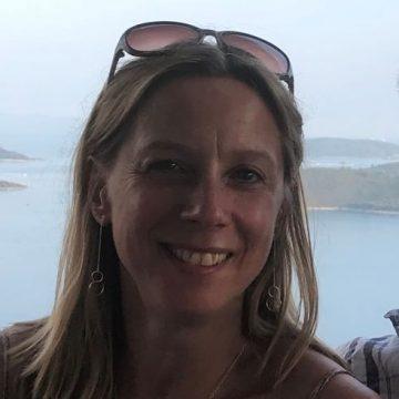 Le Cure Curista Profile - Kay Matthews